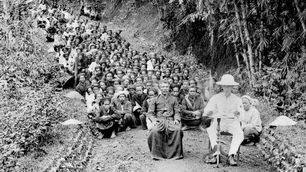Penderitaan Bukan Sebagai Gagasan RA Kartini - Pramoedya Ananta Toer