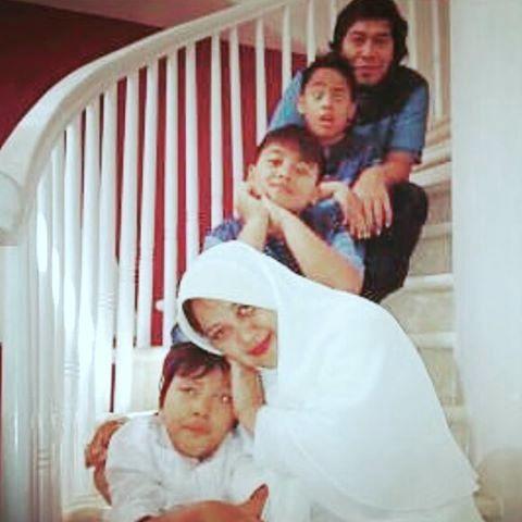 Foto Keluarga Komeng bersama Cantika